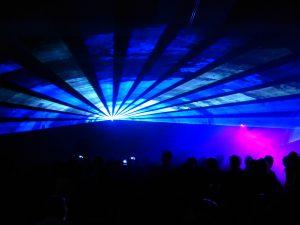 die Lasershow - Raumeffekt mit einzelnem Laser